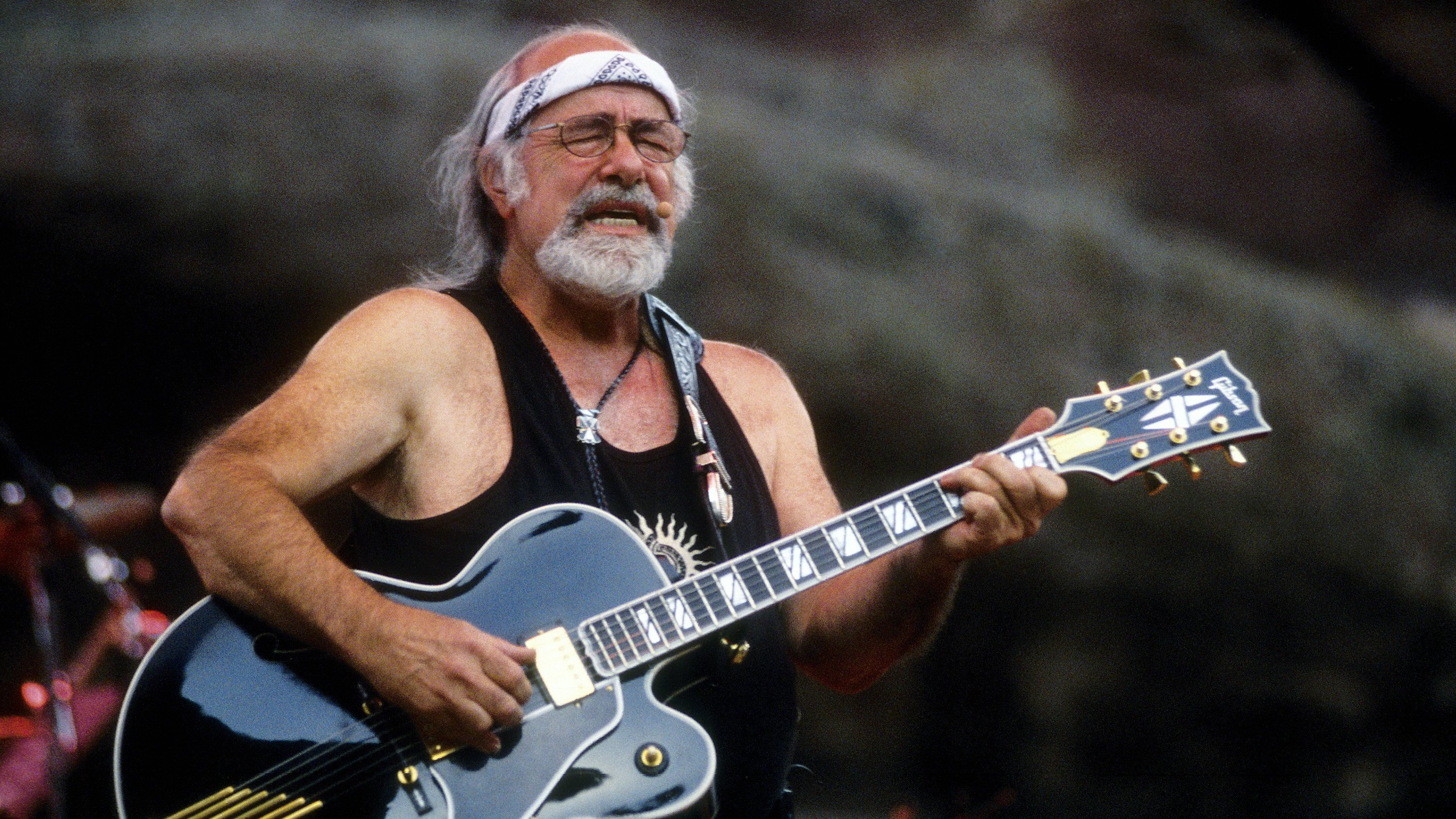 Robert Hunter's Words Helped Bring Life To The Grateful Dead