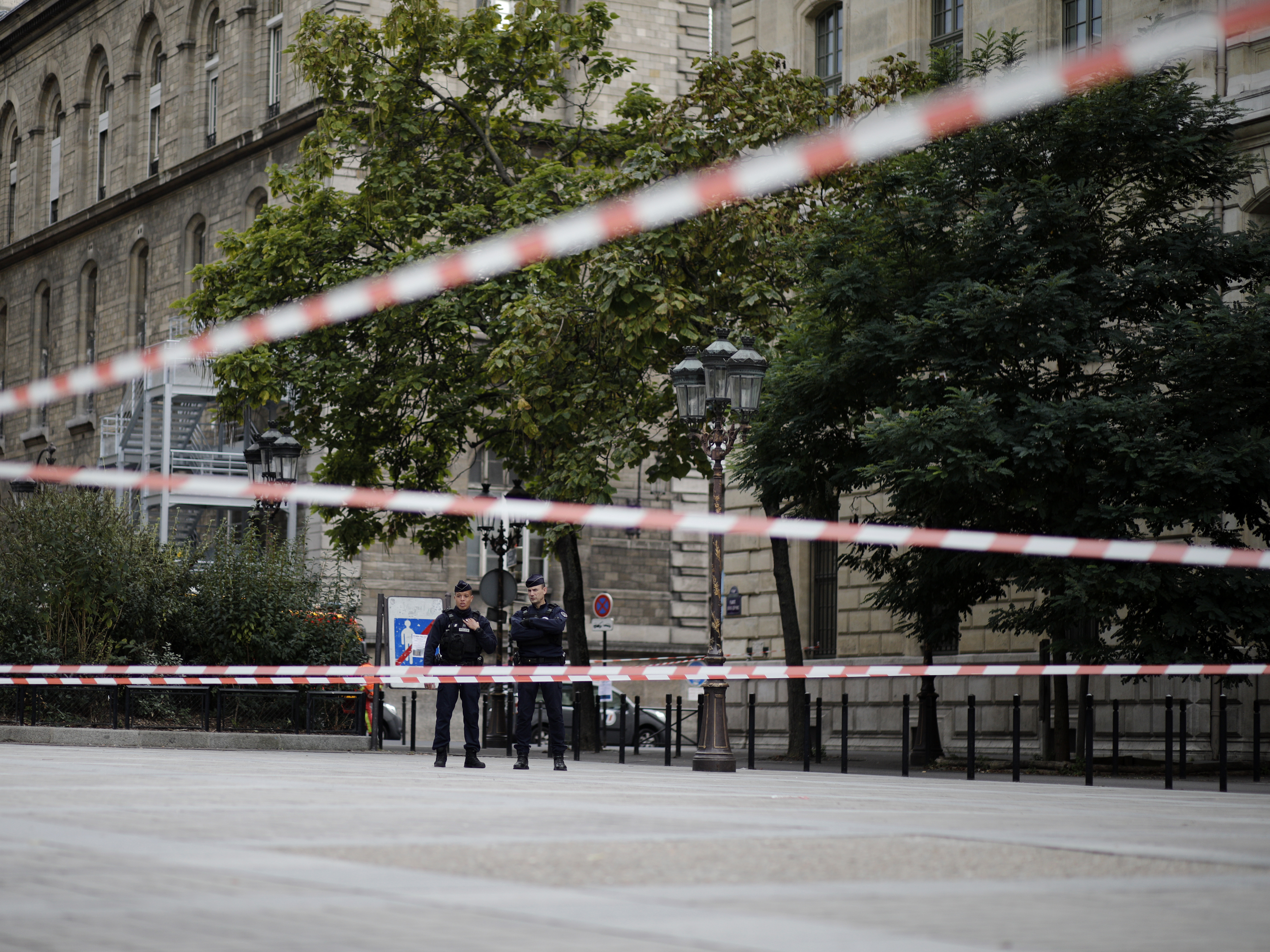 4 People Killed By Knife-Wielding Attacker At Paris Police Headquarters