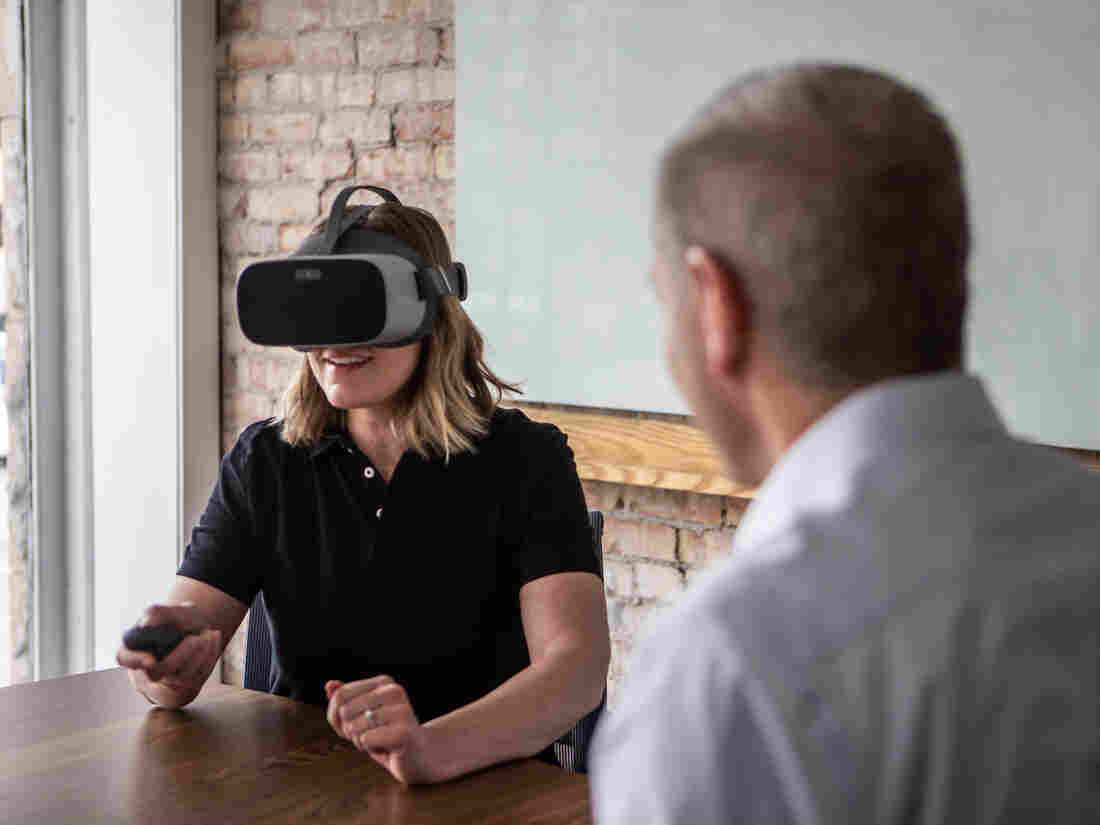 Westlake Legal Group strivr_edu-101-003--9138050d0dc6a6d71ab24164ca2d79cbdccb3c10-s1100-c15 Virtual Reality Goes To Work, Helping Train Employees