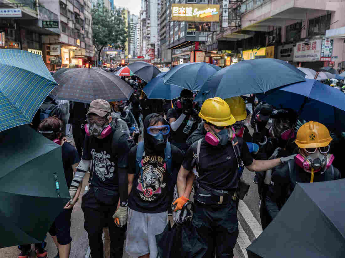 Hong Kong protesters clamor for release of detained activist