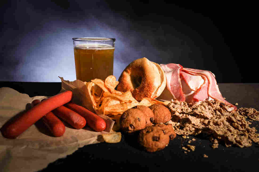 For a healthy diet, avoid processed meats, sugary drinks, refined carbohydrates and sodium.