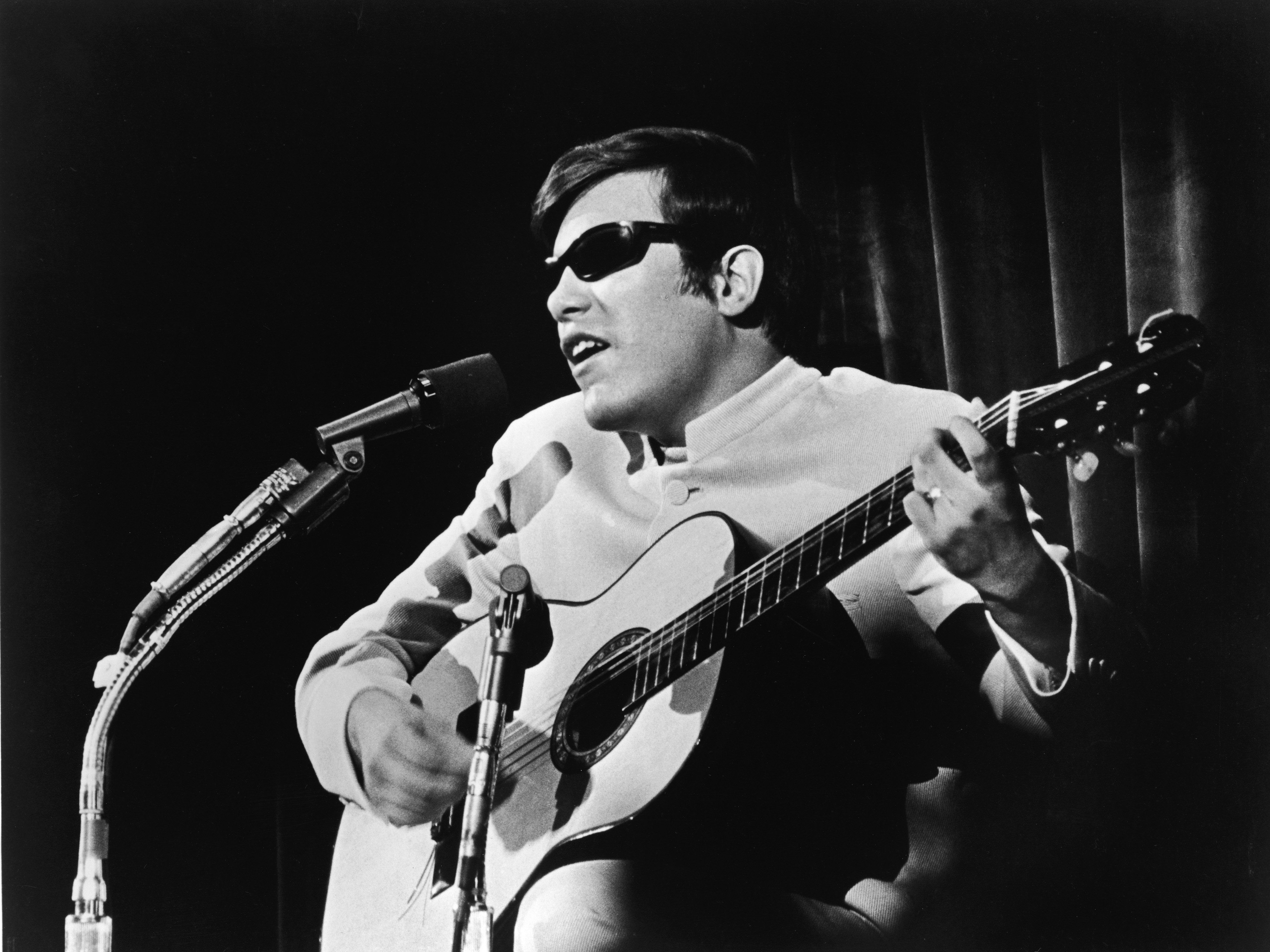 The Story Of José Feliciano's World Series Guitar