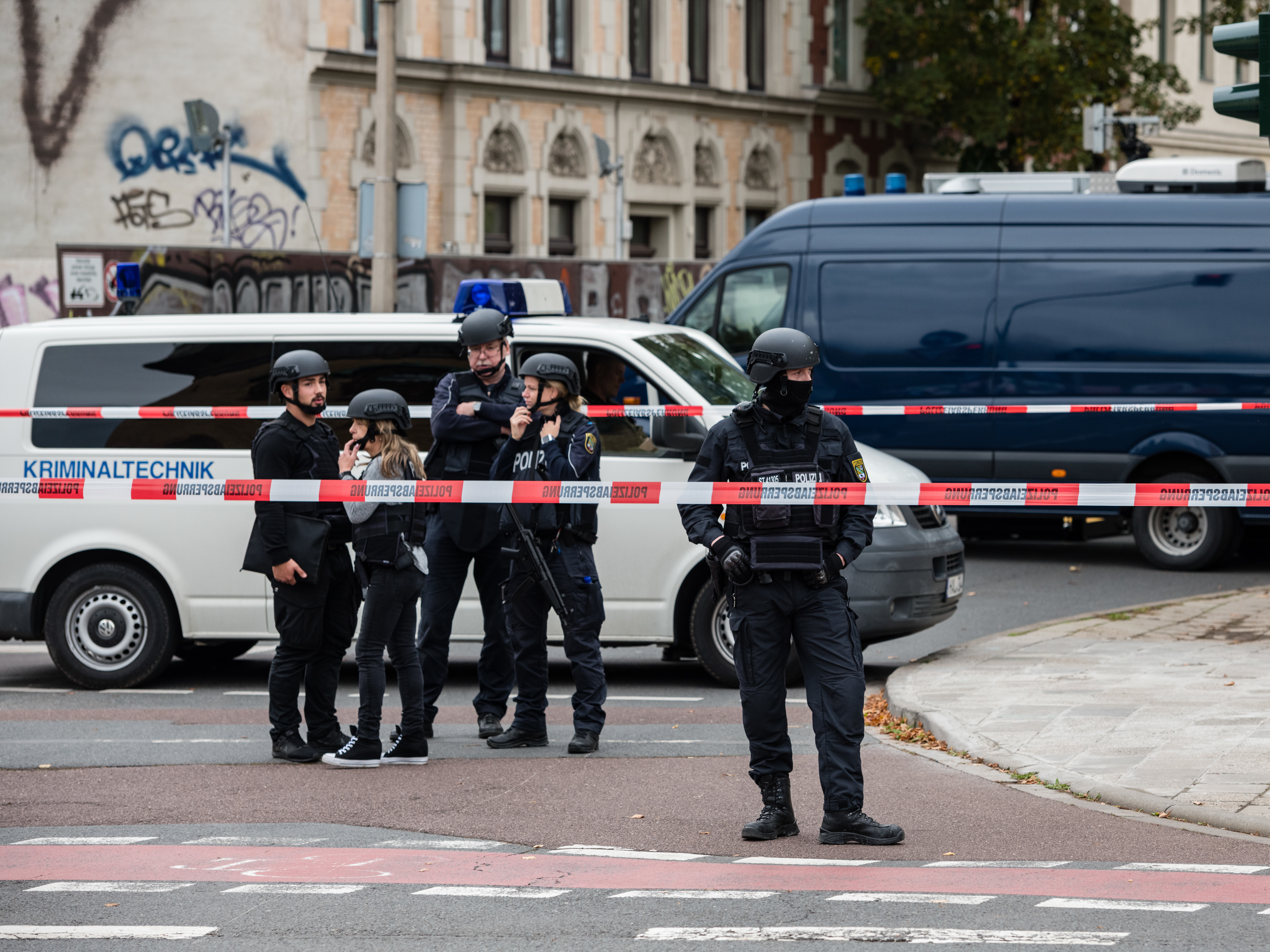 2 People Killed In Shooting In Eastern Germany In Attack Outside Synagogue