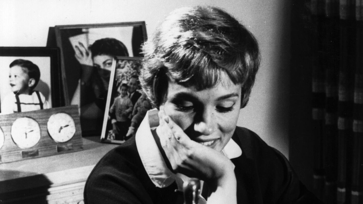 How Julie Andrews Made Herself At 'Home' In Hollywood