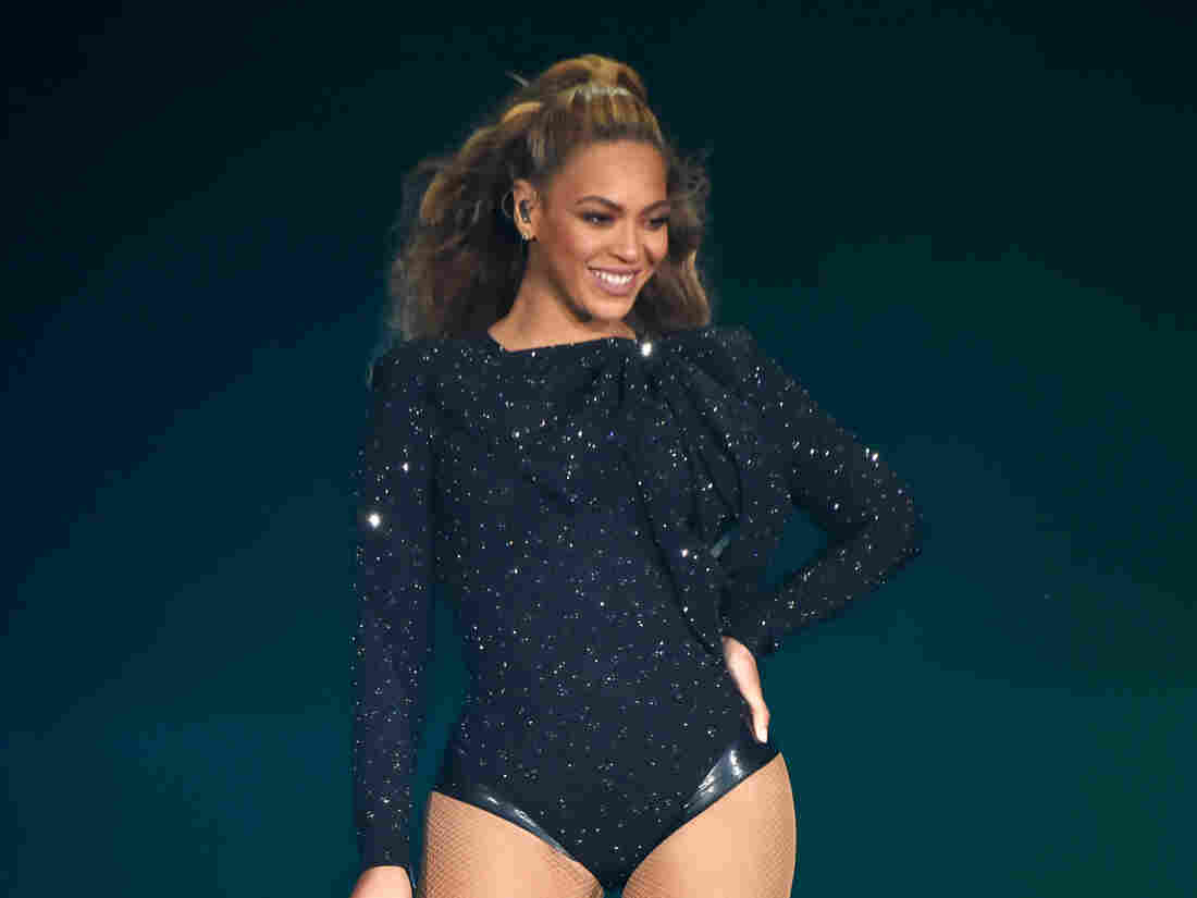 """Beyonce performs on stage during the """"On the Run II"""" Tour with Jay-Z at Hampden Park on June 9, 2018 in Glasgow, Scotland."""