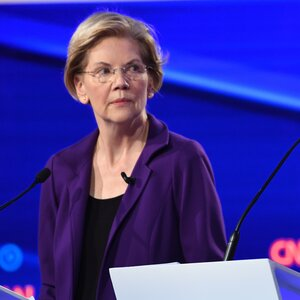 A Surging Warren Faces Attacks From More Moderate 2020 Candidates
