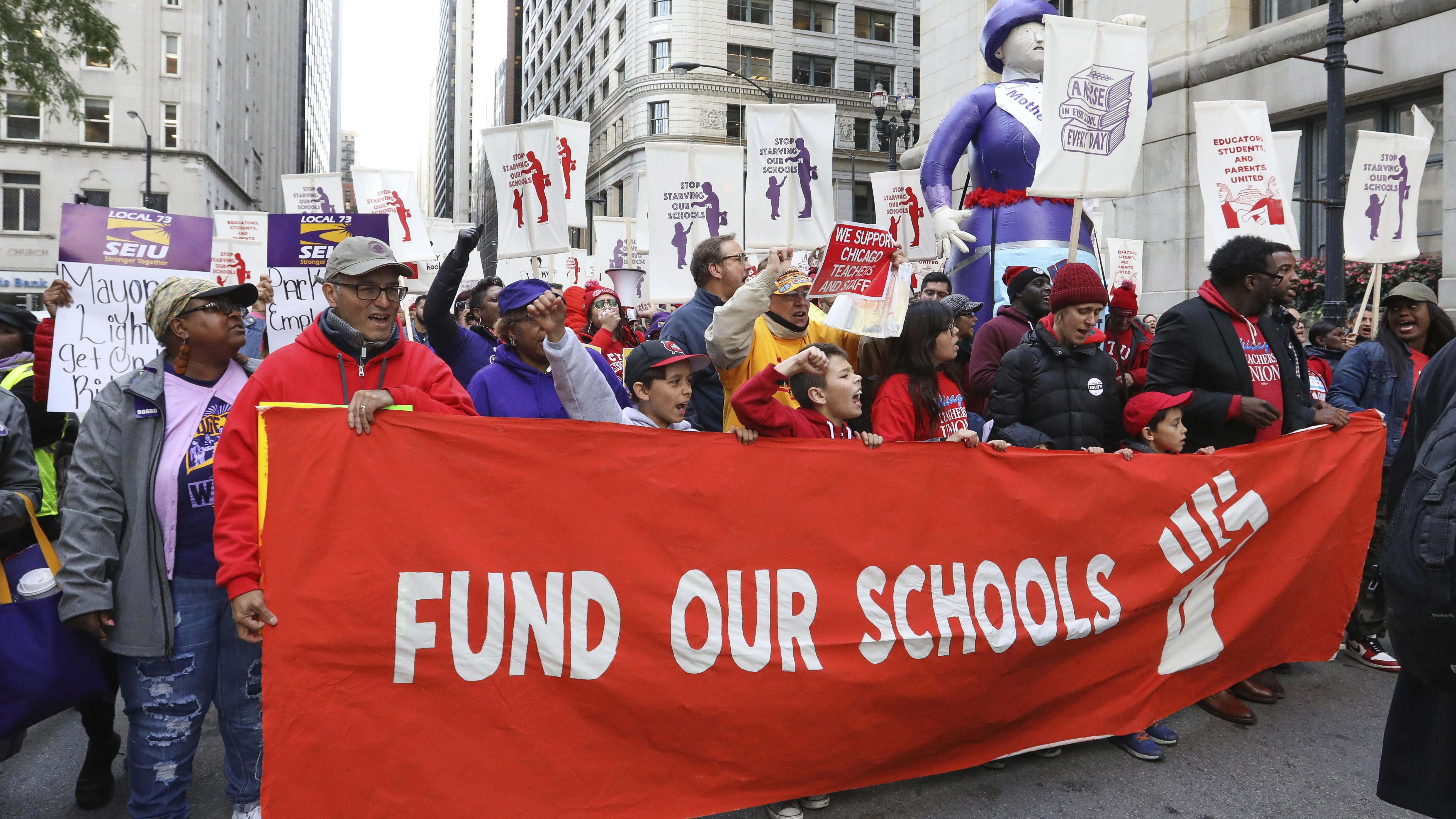 Chicago Cancels Public School Classes As Teachers Strike Looms