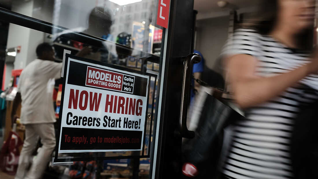 NEW YORK, NY - JUNE 01: A store advertises that they are hiring in lower Manhattan on June 1, 2018 in New York, New York. (Photo by Spencer Platt/Getty Images)