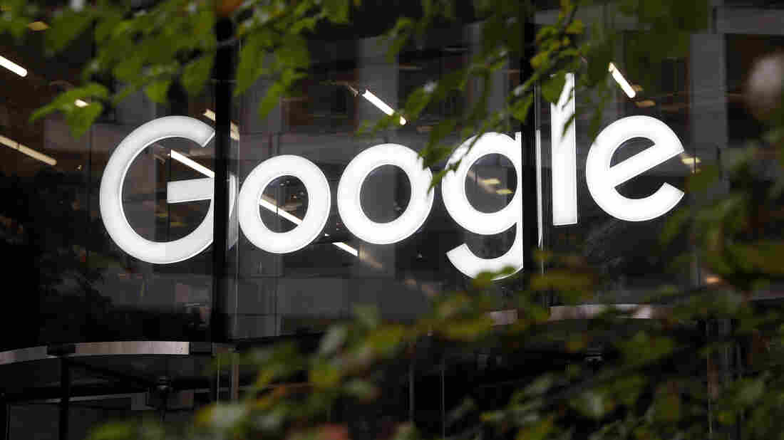 Westlake Legal Group ap_19302335636974_wide-20b3f20d15ad3c6c2d88cf37be9adcca664fdc98-s1100-c15 Australia Accuses Google Of Misleading Consumers Over Location Data