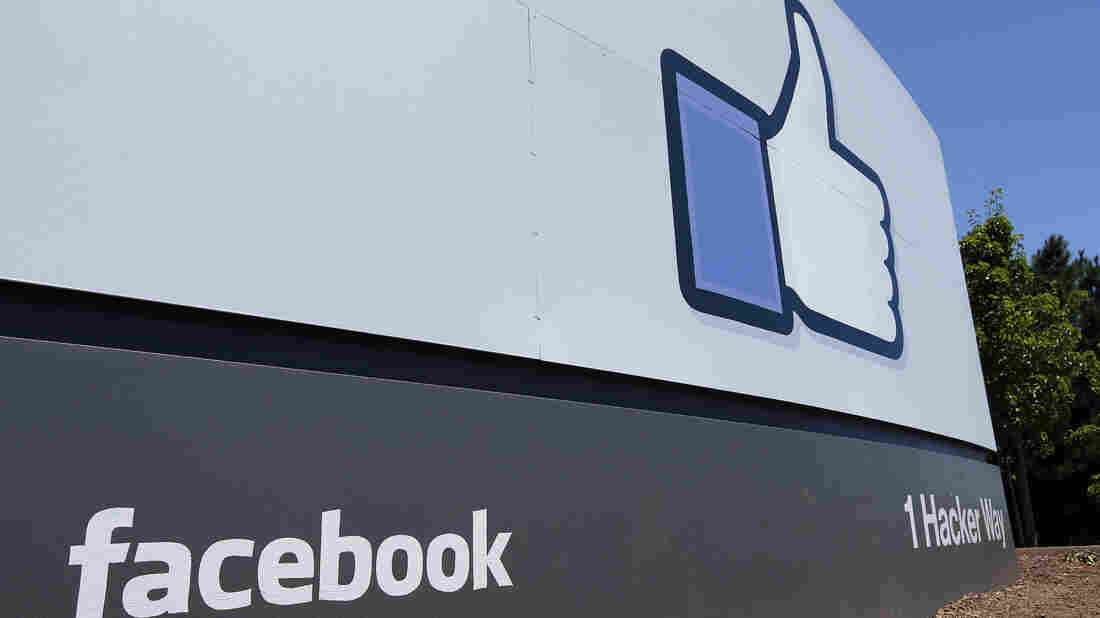 Facebook Closes UK Books on Cambridge Analytica Scandal