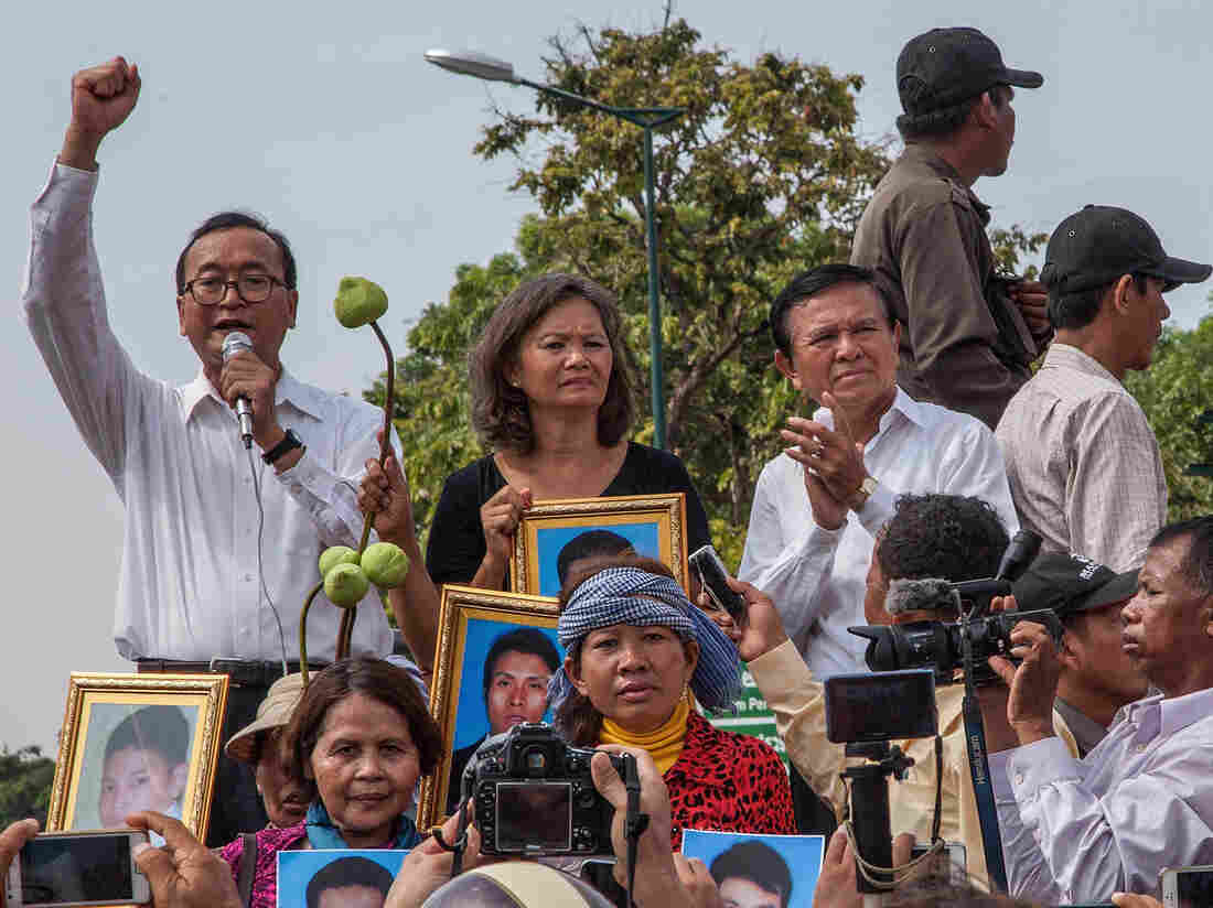 Malaysia frees detained Cambodian opposition activists