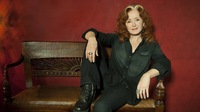 <em></em>The tribute album features Bonnie Raitt (pictured), Jackson Brown, Taj Mahal, Chrissie Hynde and Elivis Costello, among others.