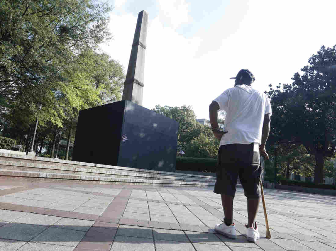 Westlake Legal Group confederate-monument-2-2dfc494cd788304235191bb9df9cf897f6b5c17f-s1100-c15 Confederate Monument Law Upheld By Alabama Supreme Court