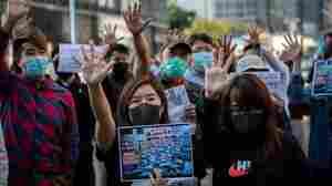 Trump Angers China By Signing Law Backing Hong Kong Protesters