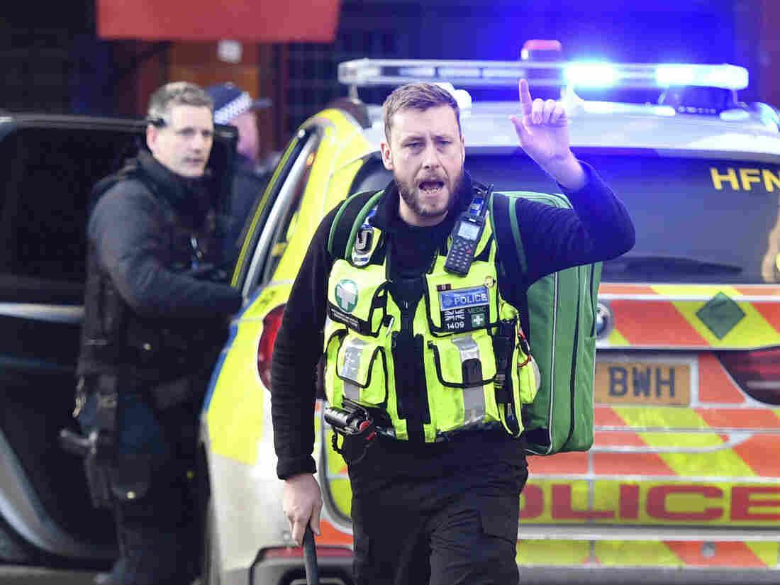 Westlake Legal Group ap_19333531344732-9cfdbdb85e1485fc46dc555f91e176d70ea18bfb-s1100-c15 Several Injured In Terrorist Incident Near London Bridge