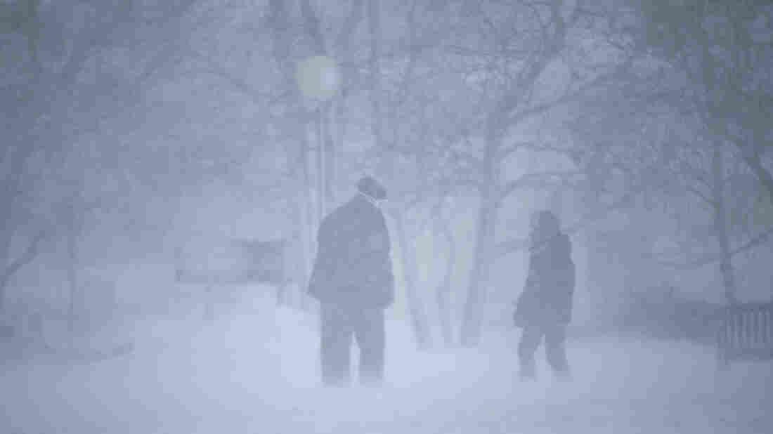 gettyimages 1191129404 wide 8275427b0b4d73cb9c4f6ea0833f93fc3d30fc09 s1100 c15 - Winter Storm Moves East, Delays And Cancels Flights : NPR