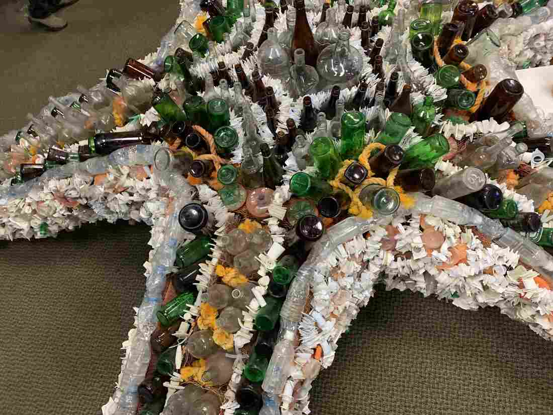 Westlake Legal Group sea-star-6b5d819c01662700e21ec3d47d27212ea975f7b9-s1100-c15 On The Oregon Coast, Turning Pollution Into Art With A Purpose