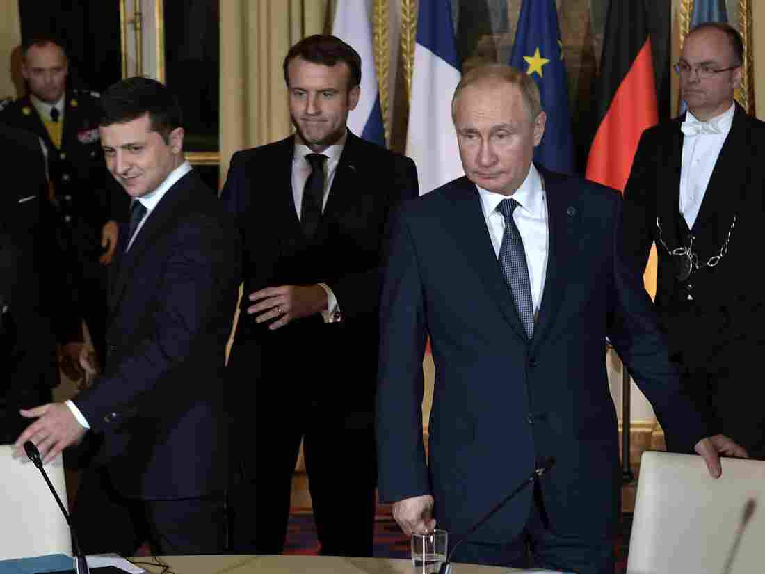 Westlake Legal Group gettyimages-1187384454-d8edbc6150e49516e2448341896e0fda963fa861-s1100-c15 With Paris Peace Talks, Putin And Zelenskiy Meet For First Time