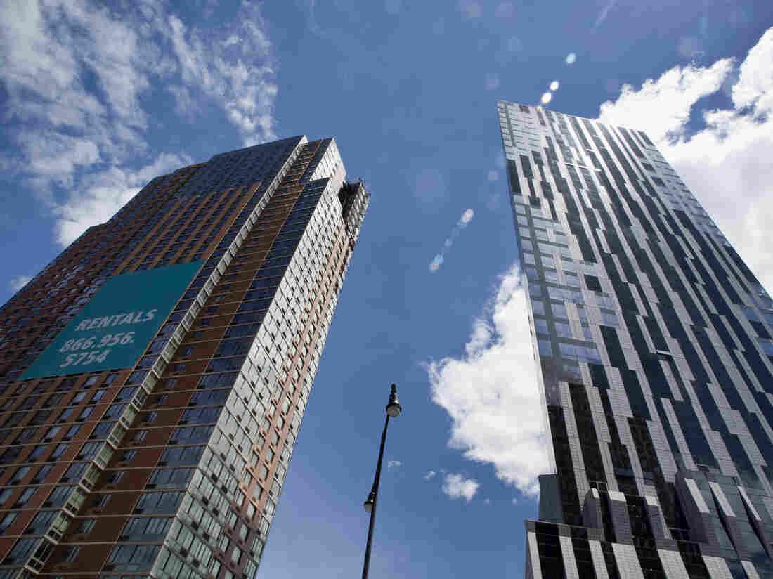 Luxury condominium towers (Avalon Fort Greene and Toren Condominium) in Myrtle Avenue, Downtown Brooklyn, New York City