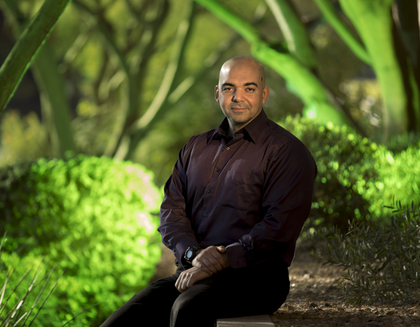 Dr. Mohab Ibrahim, an anesthesiologist and associate professor at the University of Arizona, is exploring the potential to control pain through regular exposure to green light.