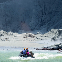 Despite Warning Of 2nd Eruption, NZ Teams Recover 6 Bodies On White Island