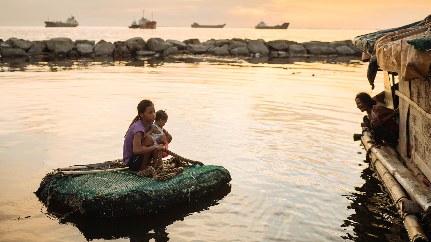 """PHOTOS: Teen Moms In The Philippines — A """"National Emergency ..."""