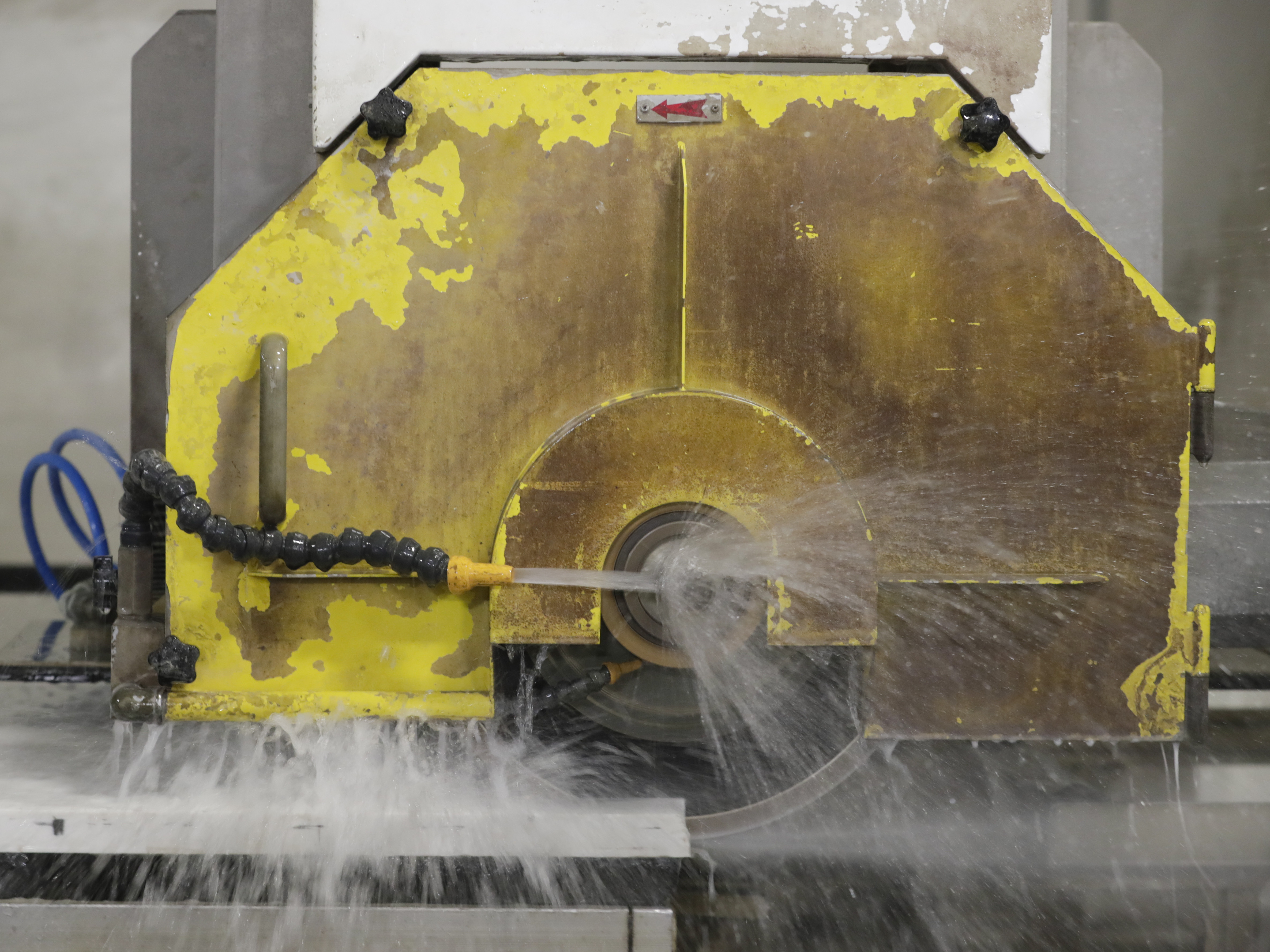 A New Safety Program Takes On Silica Dust Amid A Possible Crisis