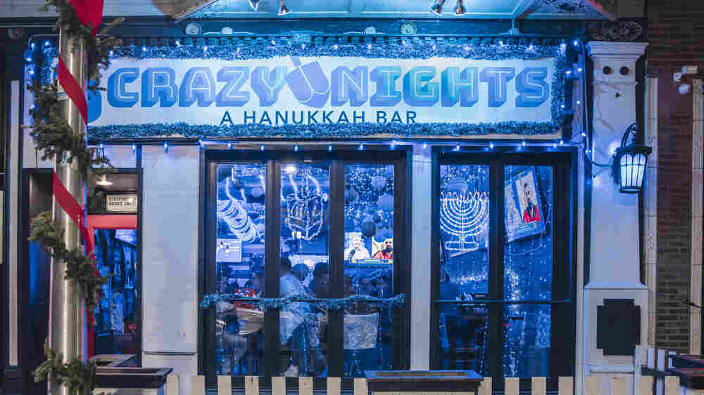 In Chicago, Hanukkah Now Has Its Own Pop-Up Bar Experience