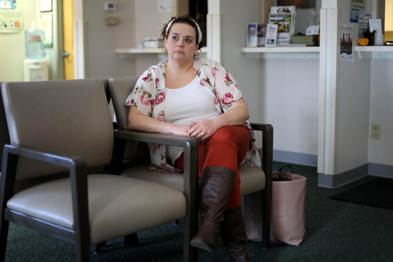 Catina Stoflet, de 35 años, recibió medicamentos para la adicción a la buprenorfina durante siete meses bajo la supervisión de Gatzke-Plamann.