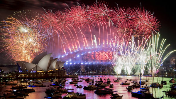 Australian authorities say the iconic Sydney New Year's Eve fireworks will go ahead, despite calls for them to be canceled for environmental concerns.