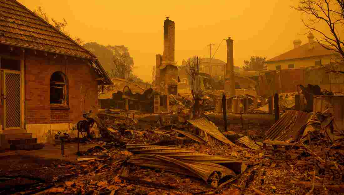 Westlake Legal Group gettyimages-1191100801_custom-7fdec5ee242980ce9ad1f4a3ac864cce8d707576-s1100-c15 In Australia Wildfires, Scenes Of Smoke, Sparks And Chaos