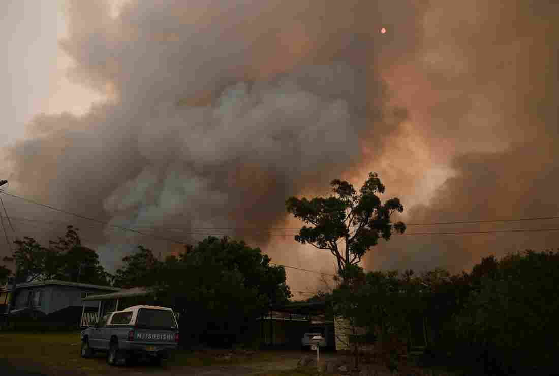 Westlake Legal Group gettyimages-11911306571_custom-8ec0368fb07d7b977fd7ba9299e24635e97b6493-s1100-c15 In Australia Wildfires, Scenes Of Smoke, Sparks And Chaos