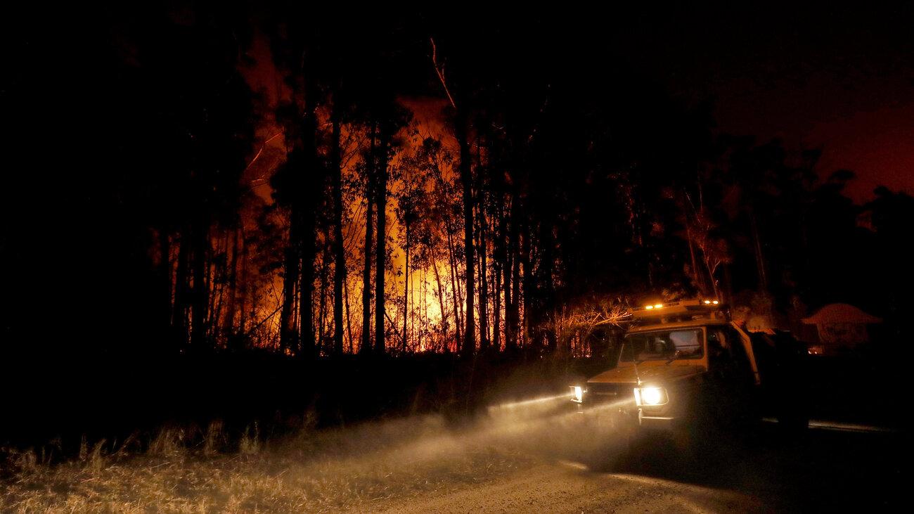 Australia Fires Rage Along Pacific Coast