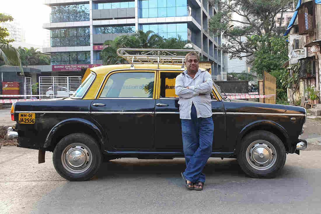 Westlake Legal Group pathak_taxi13_custom-31559edd27a7f2fcc1778ce007ab6b6c3d6294de-s1100-c15 Mumbai Takes Its Vintage Padmini Taxis Off The Road For Good