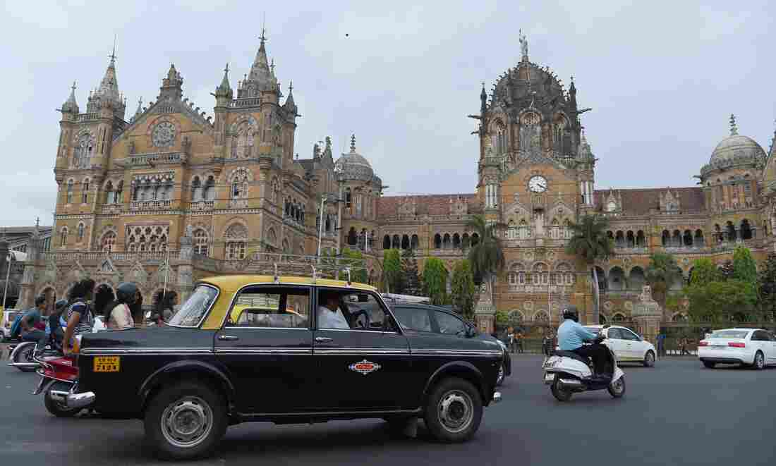 Westlake Legal Group gettyimages-695754008-1-_custom-bf5c8610a499ea874f65ade40dd80d3f99f98503-s1100-c15 Mumbai Takes Its Vintage Padmini Taxis Off The Road For Good