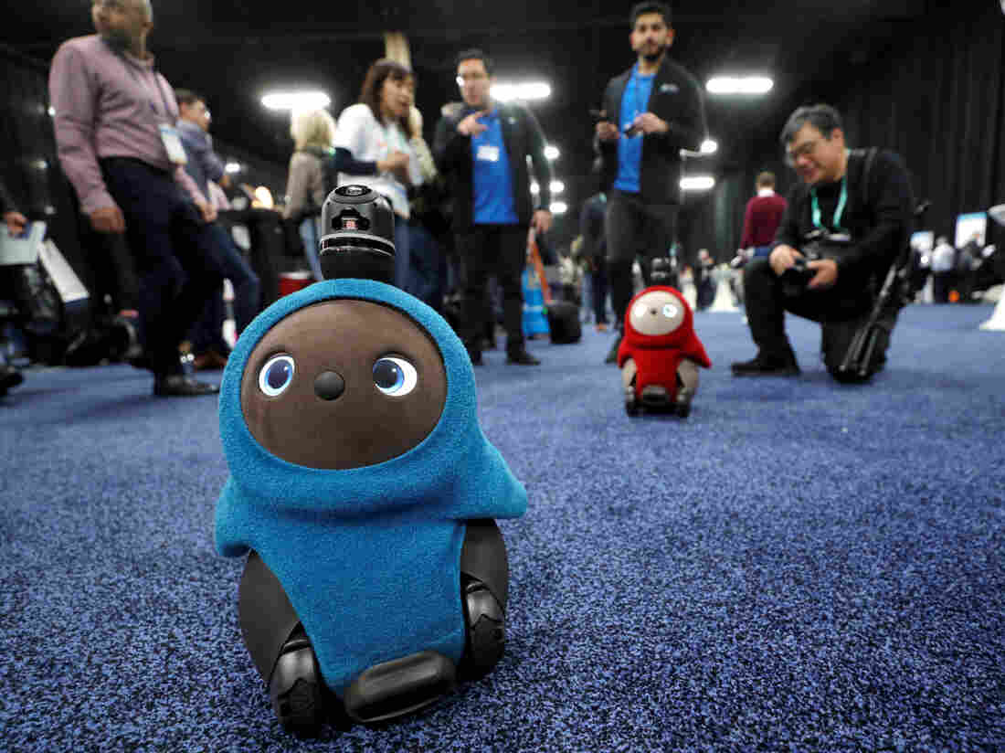 Westlake Legal Group rts2xbuy-91f304c857b5c11ae6f0b5cc067e6cfc822efceb-s1100-c15 What's Next In Tech? We Dodged Robots At CES To Find Out
