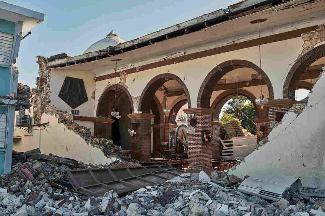 Westlake Legal Group _ctg7969-edit_custom-b76ab764e1ceea2cdb31fce1b810822cb0dfb789-s1100-c15 Puerto Rico Declares State Of Emergency After Quake Rocks Residents Awake