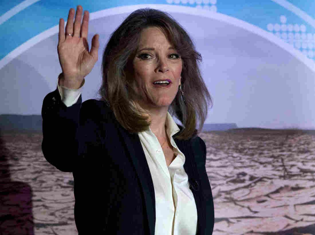 Westlake Legal Group ap_19262623718608-1--247d57c0fc1af461cf0972cf3dc4bbe30267af8c-s1100-c15 Marianne Williamson Suspends Presidential Campaign