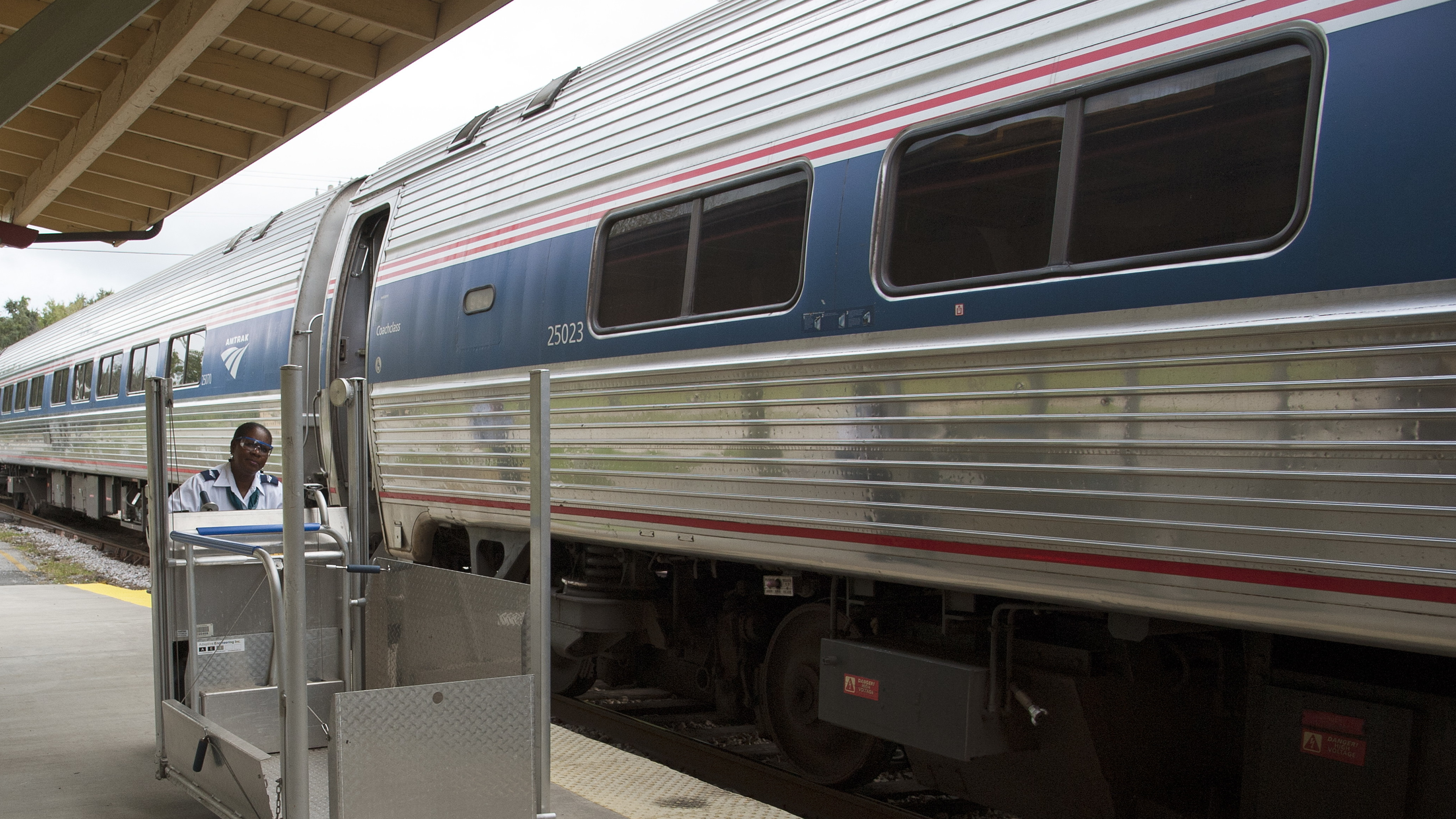 Amtrak Asks 2 People Who Use Wheelchairs To Pay $25,000 For A Ride