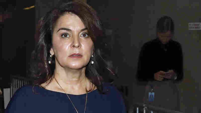 Actress Annabella Sciorra Testifies That Harvey Weinstein Raped Her