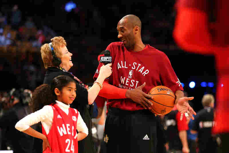 Bryant warms up with his daughter Gianna during the 2016 NBA All-Star Game in Toronto, Ontario.