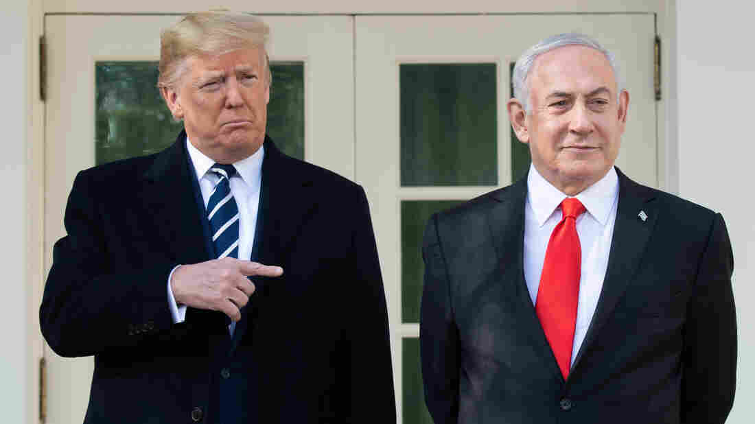 Boris Johnson praises Trump's Middle East peace plan at PMQs