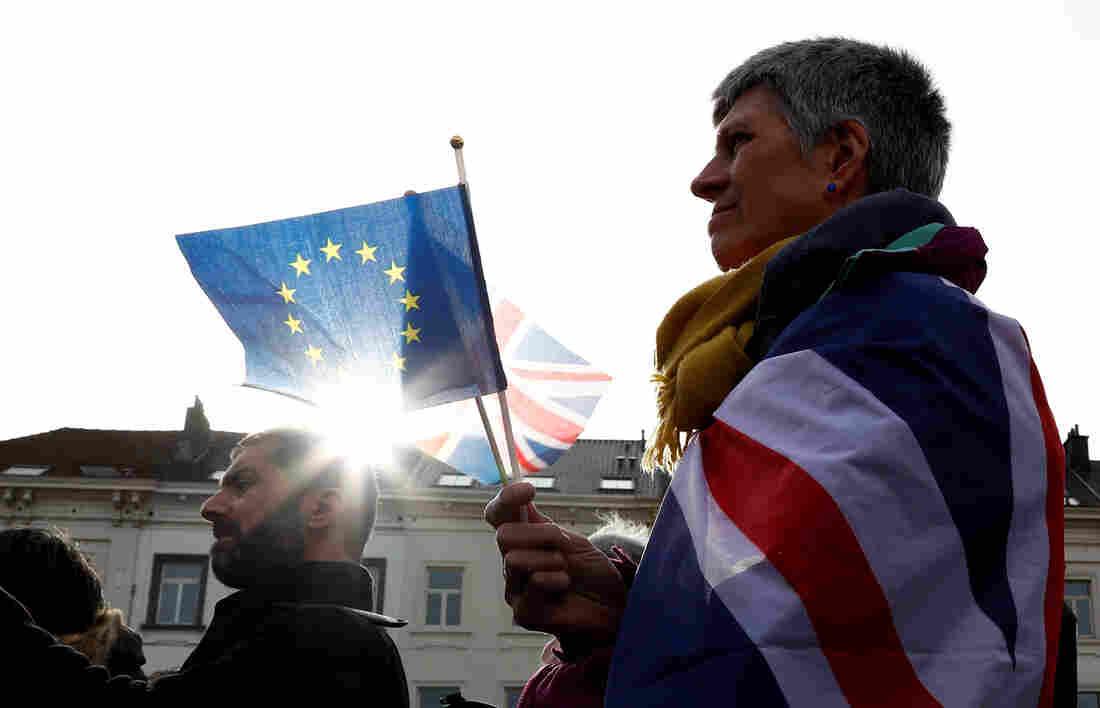 Westlake Legal Group rts3051d_custom-0a184f181ce9f948ca3b53ef243420182bc05b9f-s1100-c15 Brexit Day: What To Know When The U.K. Leaves The EU