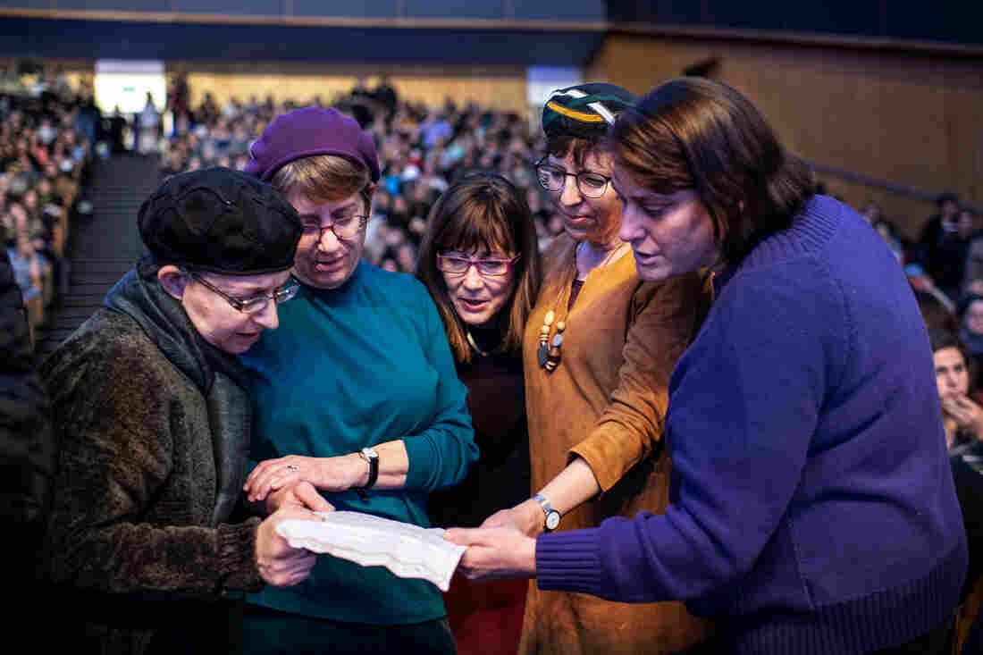 Westlake Legal Group DafYomiTHabjouqa_slide-c129894d40fd07dbec140aa458290f2a13e6a55a-s1100-c15 Orthodox Jewish Women Take A New Lead In Talmud Study In Israel