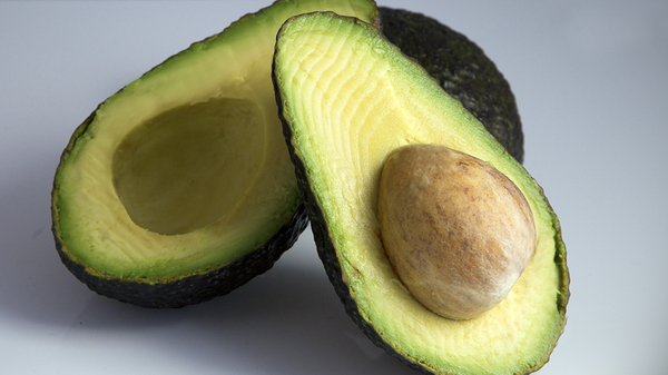 Doctors who regularly see knife-related avocado injuries to the hand say people are less likely to hurt themselves if they don