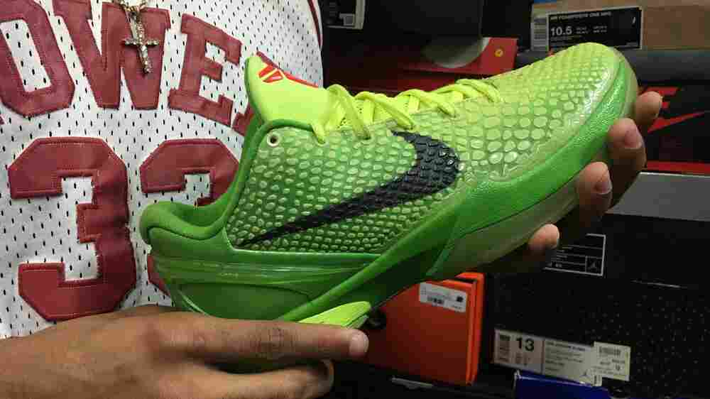 Kobe Bryant Merchandise Increases In Value But Not Everyone Is Cashing In