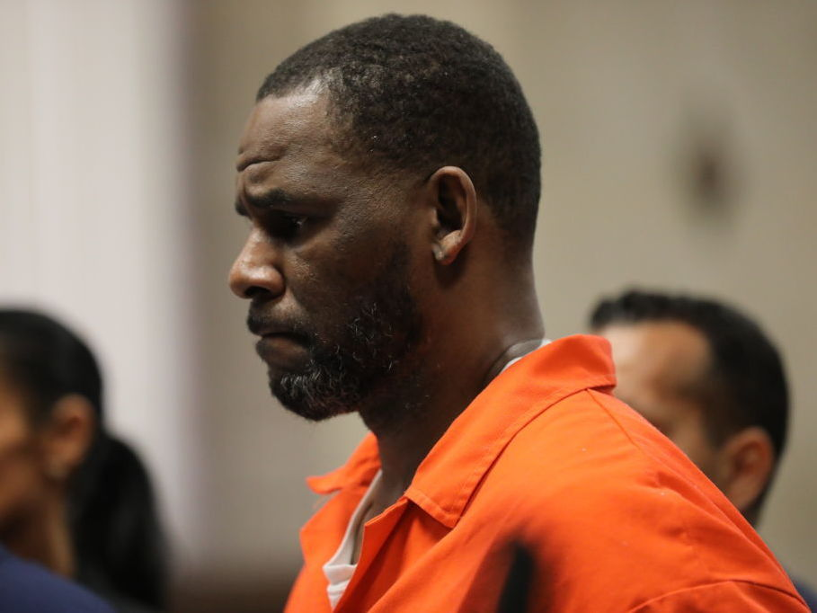 R. Kelly Faces New Sex Abuse Charges From Illinois Federal Prosecutors
