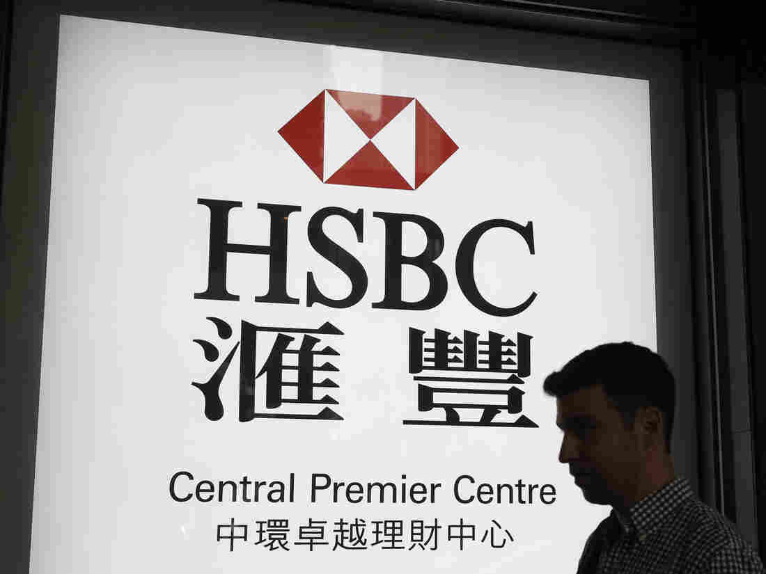 Westlake Legal Group ap_18124167028306-2cf7d69d0e2629c345a3fc27a70a8bf5fabfe4c6-s1100-c15 Banking Giant HSBC To Cut 35,000 Jobs Amid Restructuring