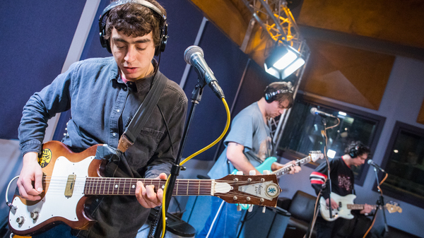Twin Peaks perform live for WXPN