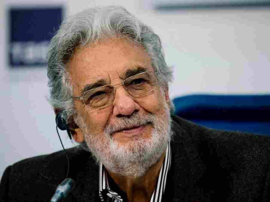 Plácido Domingo apologises to his accusers